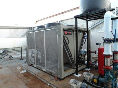 Water%20chiller%20trane%20shoping%20center%20