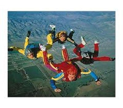 Four%20group%20skydivers